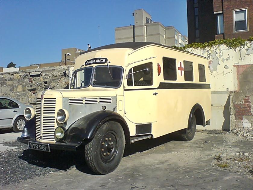 Bedford Ambulance MYR961