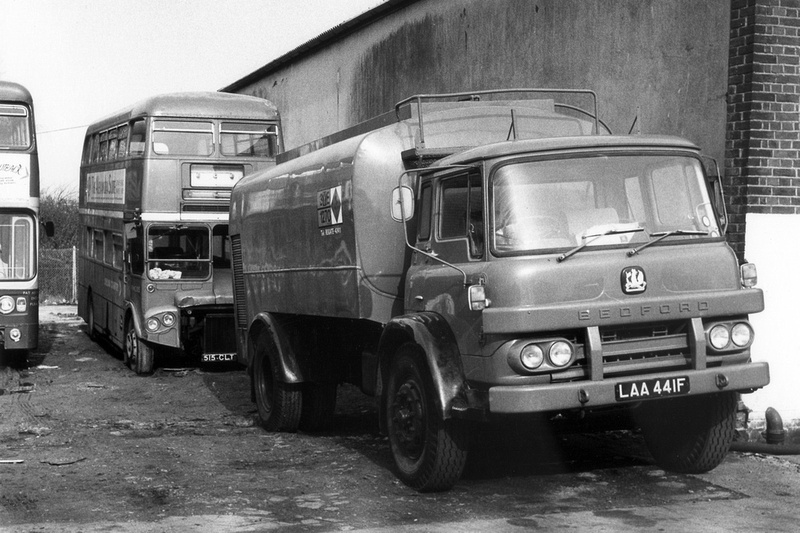 Bedford KM tankertruck