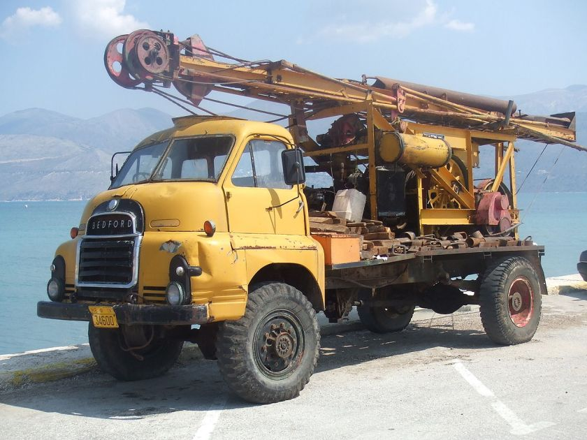 Bedford RL Truck, 4 Wheel Drive, with a Ruxton-Bucyrus hole, or well, Drilling Rig