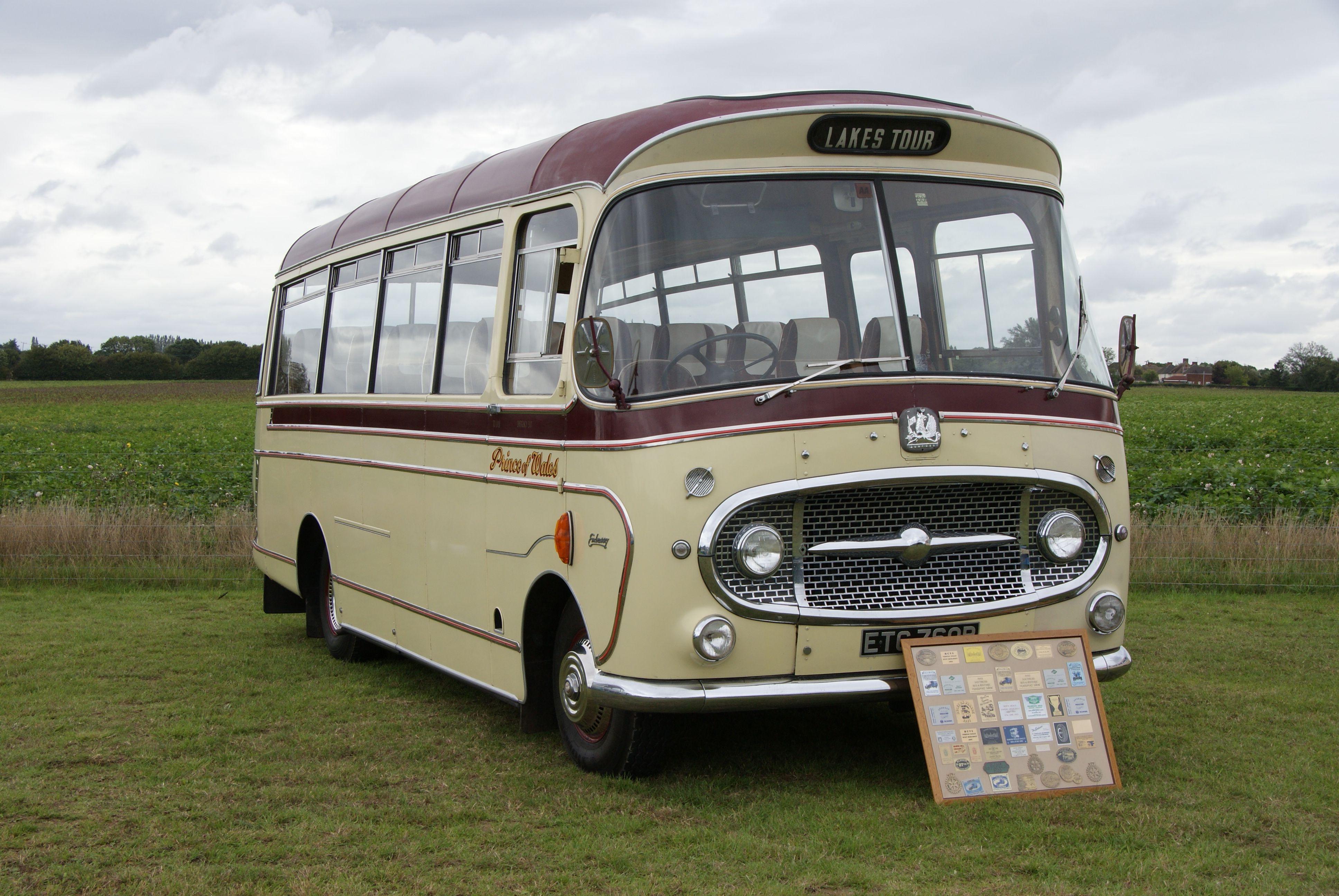 Oxford nlrt 001-Camion Leyland Royal Tiger Haiton Bus-PISTE N-Neuf