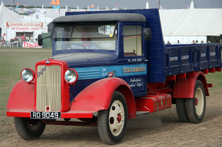 Bedford WL. 27hp. Reg No RD 9049
