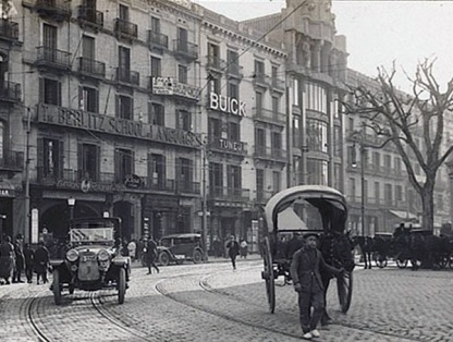 cartel publicita rio de buick en plaza cataluna de barcelona