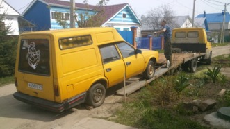 Moskvich 2901 yellow
