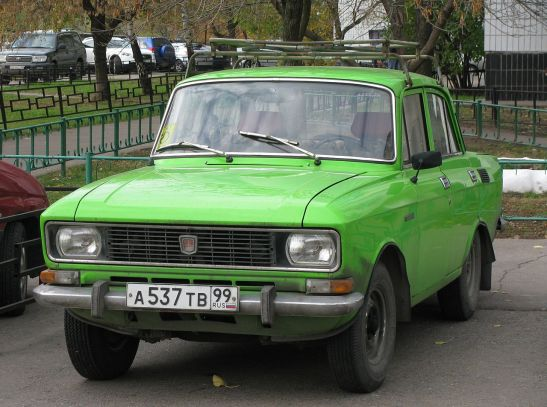 Moskvitch 2140 green a