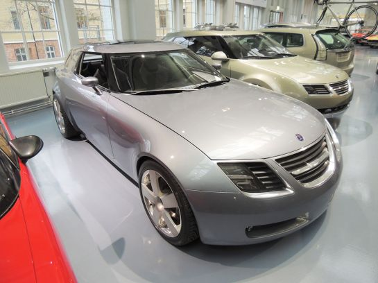 Saab 9-X front-side