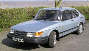 Saab 900 GLE a