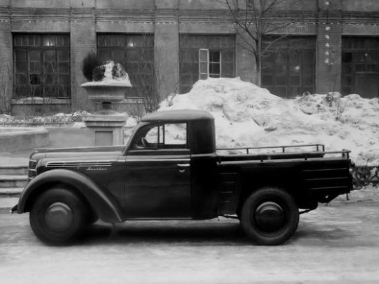 1947 Moskvich 400-420 pickup prototype Via