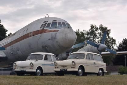 Trabi's mit Iljuschin IL-18 van Interflug